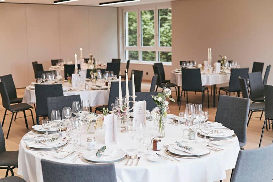 Hochzeitsfeier im Kloster Maria Laach